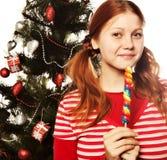 拿着查出的冰棍流行音乐相当白人妇女新 圣诞节我的投资组合结构树向量版本 免版税库存图片