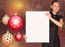 拿着空的纸的女实业家 圣诞节我的投资组合结构树向量版本 库存图片