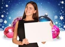 拿着空的纸的女实业家 圣诞节我的投资组合结构树向量版本 免版税库存照片