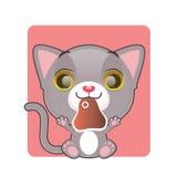 拿着肉片的逗人喜爱的灰色猫 免版税库存照片