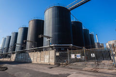 工厂坦克液体油 库存照片