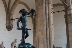 拿着水母的头Perseus本韦努托・切利尼雕象在佛罗伦萨,意大利 库存图片
