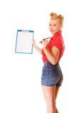 拿着玻璃和剪贴板的妇女被隔绝 库存照片