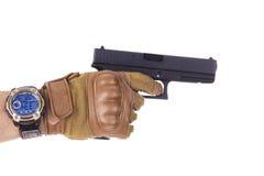 拿着他的枪的战士人 免版税库存图片