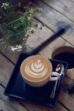 拿铁或热奶咖啡咖啡 库存照片