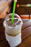 拿铁艺术咖啡过程葡萄酒样式 免版税图库摄影