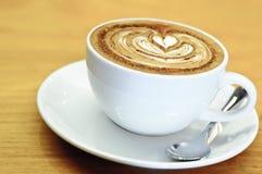 拿铁艺术心脏,咖啡 库存照片