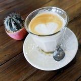 拿铁艺术心脏,咖啡 免版税库存图片
