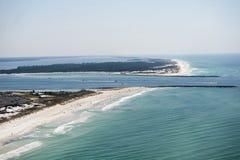 巴拿马城海滩佛罗里达海岸线的一张鸟瞰图在圣安德鲁斯海湾的 免版税库存照片