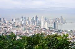 巴拿马市地平线从肘小山的顶端看在巴拿马 库存照片