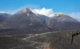 挂接在活动的Etna火山 图库摄影