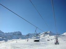 挂接手段滑雪 免版税图库摄影
