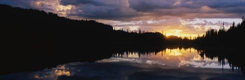 挂接更加多雨的国家公园 库存图片
