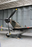 挂衣架的Supermarine烈性人Mk1在Duxford空气博物馆 图库摄影