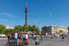 指向美国, touristst trave的克里斯托弗・哥伦布雕象 库存照片