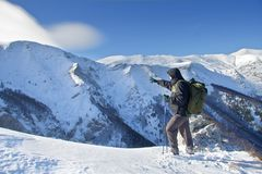 指向顶层的远足者 库存照片