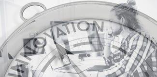 指向innoavtion的指南针的综合图象 库存照片
