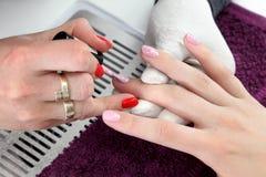 指甲盖的秀丽治疗 免版税库存图片