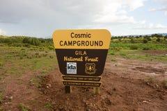 指示一个新的营地的标志在新墨西哥 免版税图库摄影