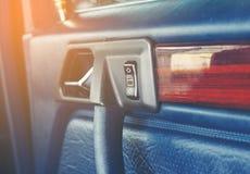 按按钮打开车门 库存图片