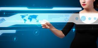 按按钮的现代企业类型女实业家 免版税库存照片