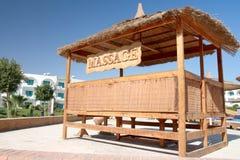 按摩安排和蓝天,埃及, Sharm Al回教族长 免版税库存图片