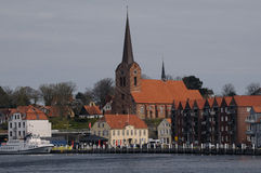 按游览对SONDBRBORG城堡镇视图 免版税库存图片