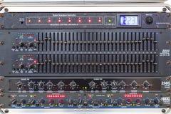 按钮和选项以音频搅拌器控制器的各种各样的部分 免版税库存照片