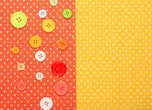 按钮有五颜六色的被冠上的背景 免版税库存照片