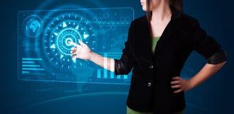 按钮高现代按的技术类型妇女 免版税库存照片