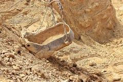 挖掘在黏土的发展砖生产的 免版税库存图片
