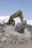 挖掘机工作 免版税库存图片