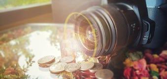 挣与储蓄照片概念的金钱 免版税库存照片