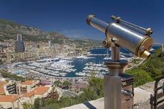 挤撞有蒙特卡洛和港口看法在摩纳哥,地中海的西欧的公国 库存照片