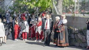挪威人为假日独立做准备 免版税库存图片