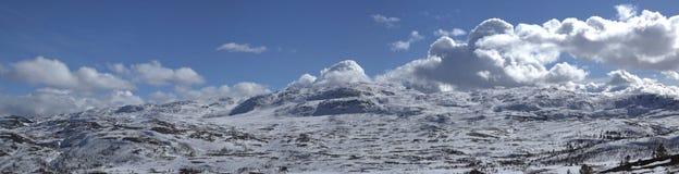 挪威冬天山 免版税图库摄影
