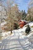 挪威多雪的房子 免版税库存图片