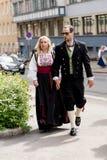 挪威宪法天穿戴的夫妇 库存照片