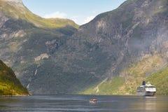 挪威海湾横向 巡航旅行 参观挪威 图库摄影