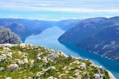 挪威海湾:从pupit岩石的一个看法 免版税图库摄影