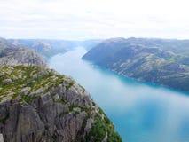 挪威海湾:从pupit岩石的一个看法 免版税库存图片