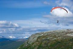 挪威滑翔伞 免版税库存图片