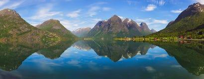 挪威的反射 免版税库存图片