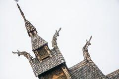 挪威老木梯级教会复杂木制品 免版税图库摄影