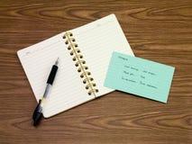 挪威语;学会在笔记本的新的语言文字词 免版税库存照片
