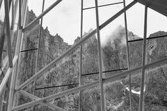 挪威风景 拖钓墙壁断层块山 Trollveggen viewpo 免版税库存图片