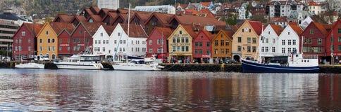挪威,卑尔根- 2012年5月15日:布吕根码头看法在市的中心卑尔根在霍达兰县 图库摄影