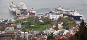 挪威,卑尔根- 2012年5月15日:Bergenhus堡垒看法在市的中心卑尔根在霍达兰县 免版税库存照片