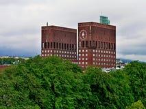 挪威,对市政厅的奥斯陆视图 库存照片