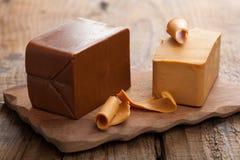 挪威brunost干酪 免版税库存图片